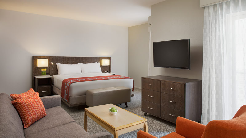 Accessible Queen Suite at Corporate Inn Sunnyvale, California